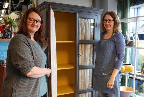 SAMARBEID: June Nerland (t.v.), leder for Rause rebruk, setter stor pris på samarbeidet med kreative Mette Oleivsgard.