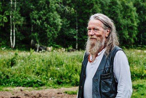 Øyvind Stjernen er en av to kunstnere som viser verkene sine på utstillingen under Smeltedigelen.