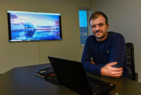 - Båten skal kles inn med en glassfasade mot havet, så det blir som et utstillingsvindu, sier Erik Brekke Arnesen, prosjektleder i IMTAS.