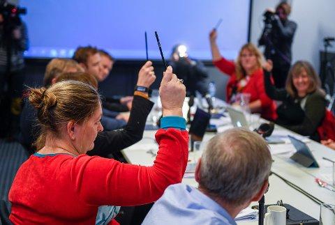 Helse-Nord styremøte i Bodø med avgjørelse av Helgelandssykehuset 2025. Stemmegiving