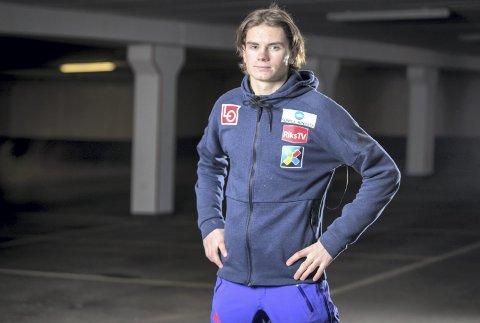 GOD SESONG: Marius Lindvik har levert flere toppresultater i kontinentalcupen enn tidligere sesonger. For det ble 19-åringen belønnet med verdenscupplass, som han ikke fikk benyttet seg av. FOTO: NTB SCANPIX