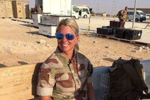 – Som helsepersonell får jeg ikke reise ut av leiren, sier Therese Killi Hansen som midt i koronautbruddet drar fra Norge for å lede et militært feltsykehus i Kabul. Bildet er tatt i Irak.