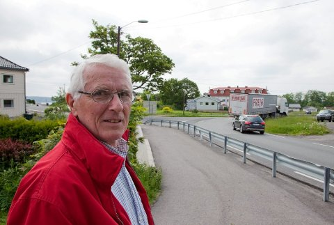 VIL HA SVAR: Leder Alf Litangen i Filtvet og tofte pensjonistforening  har invitert to av høstens ordførerkandidater til å svare på  spørsmål om deres planer for eldrebølgen i ny storkommune. Møtes holdes på Tofte samfunnshus kvelden 29. august.