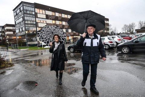 MANGLER: Leder i ledrerådet, Ragnar Klavenes, medlem Randi Husa, har begge kritisert mangelen på forsamlingsrom i nybygget på Nygård.