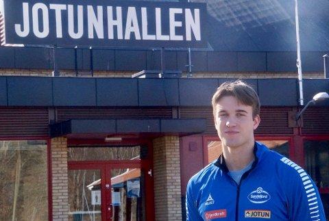 PÅ UTLÅN: Jonas Myreng Elverhøy (19) skal spille for SH kommende sesong, takket være en utlånsavtale med Elverum.