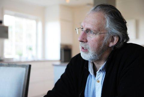 BEKYMRET: Carl-Erik Grimstad (V) er bekymret for familier med voldsutsatte barn som blir overlatt til seg selv etter at saken er ferdig rent strafferettslig. Han etterlyser behandling og hjelp i etterkant. (arkivfoto)