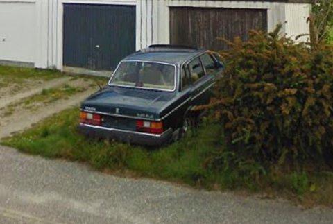 Kommunen har etter flere år fått nok av denne bilen som står i Varatun-området.