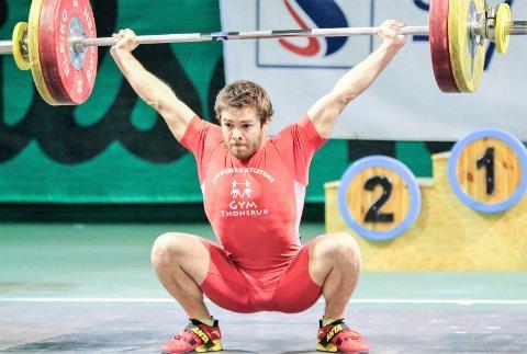 SØLV: Daniel Roness leverte sin nest beste konkurranse noensinne i nordisk mesterskap i vektløfting.