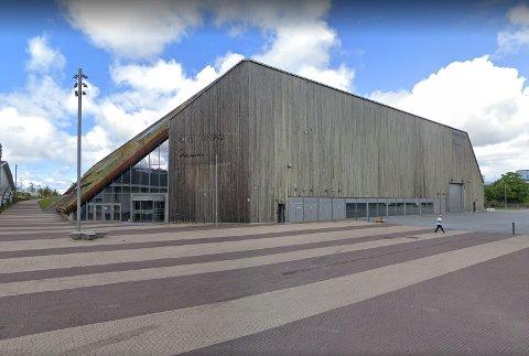 Det er på Forum Expo på Tjensvoll Stavangers vaksinasjonssenter holder til.