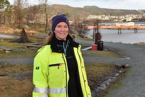 ENDRINGER: Fagansvarlig for park og grønt i Strand kommune, Anita Ellefsen Hus, forteller at kommunens kriseledelse har gjort endringer i korona-tiltakene på Jørpelandsholmen. Arkivfoto: Roar Larsen