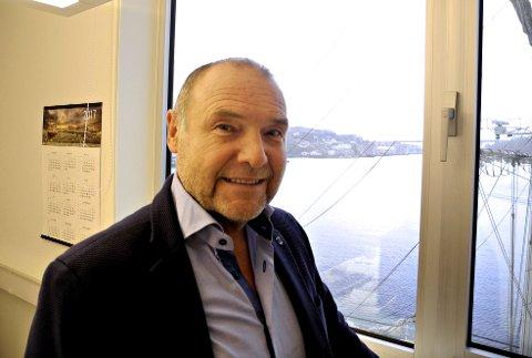 Roald Røsand sitter på kommunstyret i Averøy for Venstre.