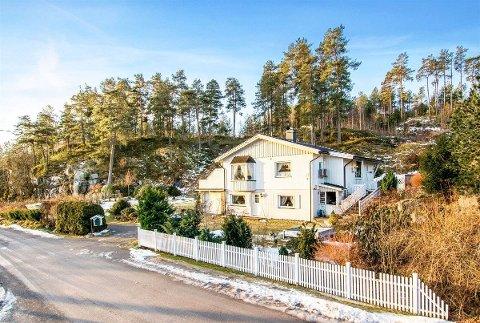 RASKT SOLGT: Huset ligger idyllisk til på Torød, ikke langt unna Torødstranda. Det fikk nye eiere mandagen etter visningshelgen.