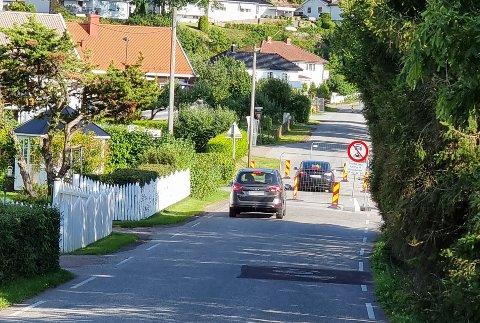 FINN EN FEIL: Dette synet liker både naboen og kommunens folk dårlig. Du ser kanskje hvorfor?