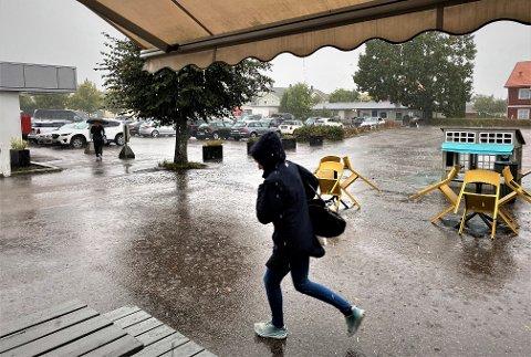 VARSEL: Meteorologen har sendt ut gult farevarsel for regn i Vestfold, Telemark og Aust-Agder.