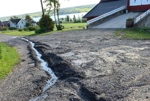 ØDELEGGELSER: Slik så det ut etter uværet på Amlien Nordre på Eina i juni 2019. ARKIV