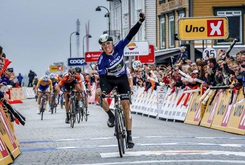 Tour des Fjords: Edvald Boasson Hagen sykler i mål i Stavanger som vinner av Tour des Fjords i fjor. I år blir Tvedestrand en av byene som Boasson Hagen og en rekke internasjonale sykkelstjerner skal sykle i gjennom. Syklistene kan også følges blant annet i Laget, langs hele Dypvågveien, og gjennom Kilsund.