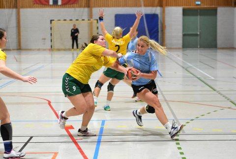 Ville seg ikke: For mange misbrukte sjanser felte til slutt Vestby da Lisleby gjestet Vestbyhallen søndag kveld. Her er det Lise Skagseth som forsøker å trenge gjennom Lisleby-forsvaret.