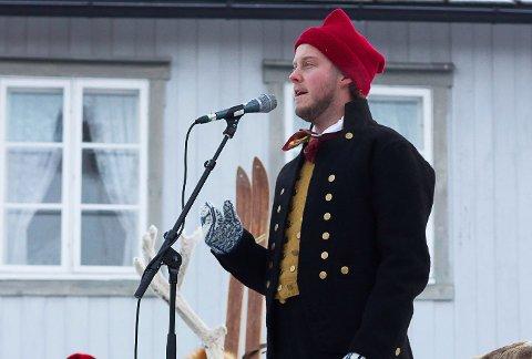 DUGNADSKONSERT: Snorre Tøndel Ryen er en av artistene du kan oppleve i Røros kirke fredag. Han får selskap av bandet Trøffel pluss Aina Sandnes Røste.