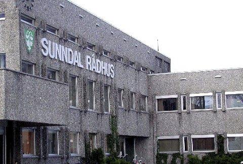 Sunndal rådhus er utsatt for hærverk.