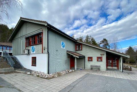 NY EIER: I fjor ble Fiane grendehus solgt fra Gjerstad kommune til Gjerstad Idrettslag. Selger manglet imidlertid nødvendig samtykke fra Kulturdepartementet.