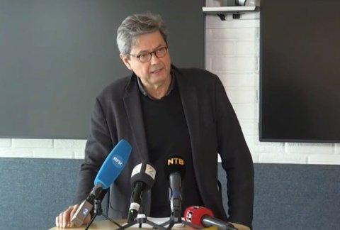 MULIG ALVORLIG TEGN: Sigurd Hortemo i Legemiddelverket opplyste at de tre tilfellene av blodpropp eller hjerneblødning som er oppdaget lørdag undersøkes grundig.