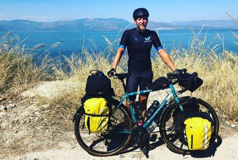 Sykkelentusiast Neil Sharp-Dent opplevde alle syklister mareritt da en av hans spesielle sykler ble stjålet på en sykkeltur. Det var ikke sykkelen på bildet som ble stjålet.