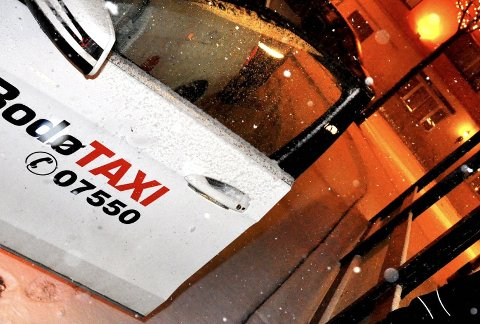 Akrivfoto: Solvår Rønnings syke sønn blir fraktet til og fra Nordlandssykehuset flere ganger i uken i vanlige drosjer.