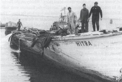 I jakten etter en havarert russisk ubåt i den svenske skjærgården utenfor Karlskrona i 1981, fant man det som var igjen av Hitra. Den ble hentet hjem og restaurert for flere millioner kroner.