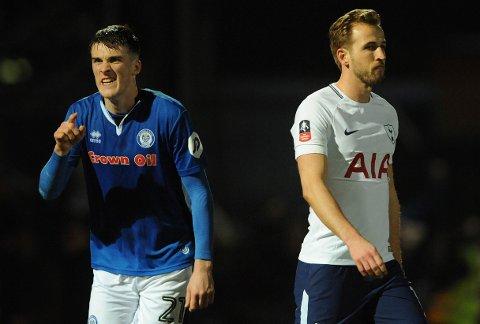 Rochdale og Ryan Delaneyklarte 2-2 hjemme mot Totteham i den femte runden i FA-cupen sist sesong. Tirsdag er det færre stjerner på banen når de møter Bury i EFL Trophy.  (AP Photo/Rui Vieira)