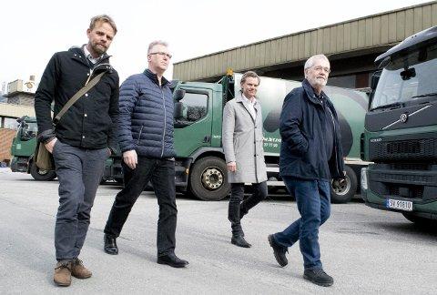 Fra venstre: Anders Waage Nilsen i Wasteiq, IT-sjef Tommy Hansen Hufthammer i Bir, daglig leder Tore Totland i  Wasteiq og Tore Mehl i Bir.