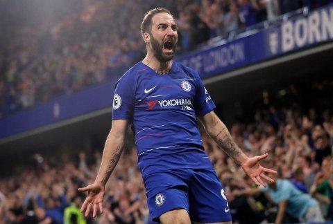 Gonzalo Higuain og Chelsea skal sikre seg tre poeng i sesongens siste hjemmekamp, men vi tror Watford kommer til å gi dem kamp.  (AP Photo/Kirsty Wigglesworth)
