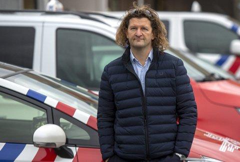 VIL HJELPE: Robert Aasmul i Taxi 1 har blitt enige med sjåførene om å gi dem 600 kr dagen under nedstengningen.FOTO: EMIL W. BREISTEIN