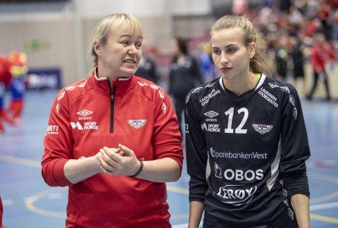 Sofie Ege Grønlund har selveste Cecilie Leganger som læremester i Fana, men neste sesong skiller de lag.