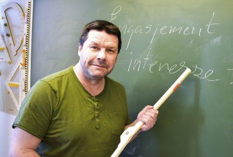 FORNØYD: Rektor Knut Erik Hovde er svært godt fornøyd at mange vil til Midtfylket og søker seg jobb ved Buskerud videregående skole.
