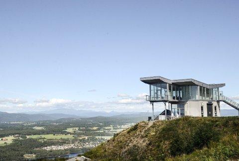 VINGEN: Et vakkert bygg med enda finere utsikt flere kan få nyte ved at det bygges heis.