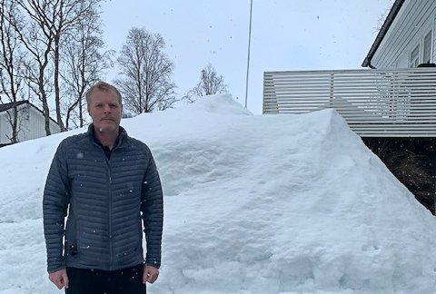 NOK: Bjørn Sønsteby mener det er mer enn nok snø i Tromsø nå.