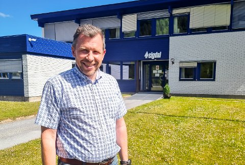 NY SJEF: Yngve Hansebakken er ny fabrikksjef ved Sigdal Kjøkken i Nedre Eggedal. I tiden framover skal han ansette flere nye, for å øke produksjonskapasiteten.