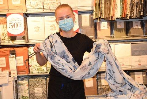 Har kjent på savn: Silje Kaldestad Henriksen (19) har savnet både kunder og kolleger.