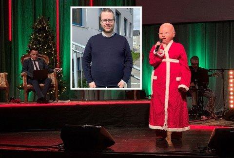 Steffen Ditløvsen i Nordkapp kommune kommer med en god nyhet. Scenebildet er fra Radio Koronas show 28. desember.
