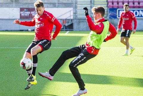 I FART: Patrik Karoliussen (til venstre) gleder seg til seriestarten med sin nye klubb FFK. Foto: ERIK HAGEN