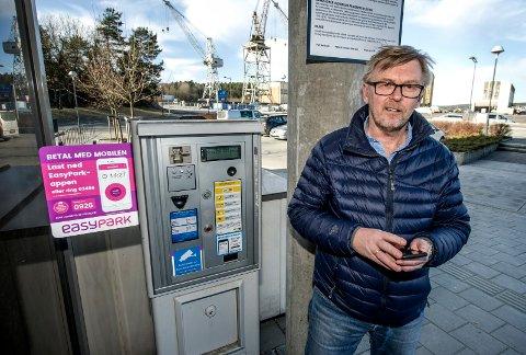 BETALTE - FIKK BOT: Trond Solbakken ble oppmerksom på hvordan Easypark-appen registrerer soner da han betalte parkering, men allikevel fikk bot. Nå dobbeltsjekker han alltid at han er i riktig sone.