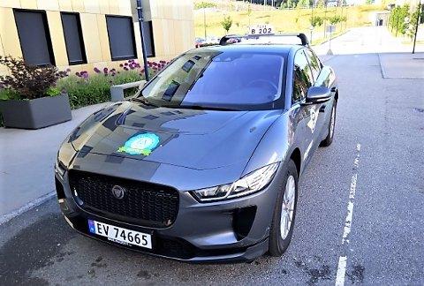 GROM: Dette er en Jaguar i-Pace, og er første bil ut i Taxisentralens test av miljøvennlige kjøretøy.