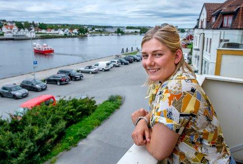 En ny måling gir Hannah Berg fra Rødt innpass på Stortinget. Hun ble valgt inn i bystyret i Fredrikstad for to år siden.