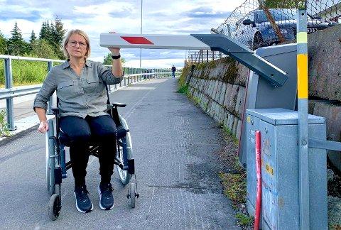 Sammenstøtet resulterte i en rekke brudd i ribbein, bekken og hoft. Nå venter Helene Broderstad Einem på at det skal gro såpass at hun kan begynne med rehabiliteringen.