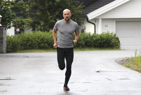 Fant løpegleden: Jann Post (40) har to små barn og en travel jobb. Likevel får han tid til å trene seks dager i uka. Foto: Veronika Sletta/RB
