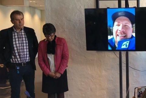 Kjetil Jansrud (på Skype fra Kvitfjell) hyllet foreldrene for sin flotte oppvekst da det ble kjent at han fikk Peer Gynt-prisen.