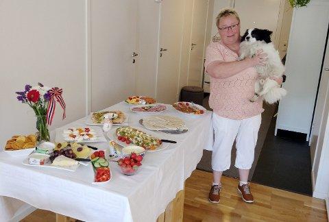 Tove Mette Bjørnstad har levd med Alzheimer flere år, men har ikke glemt gamle kunster som kjøkkensjef.