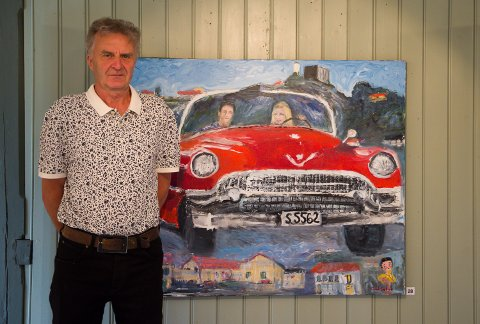 Malt amcar: Odd Sæthre stiller ut sine malerier på Galleri Rød i sommer. Lørdag åpnet utstillingen. Han har malt mye biler tidligere. Her er et av maleriene.