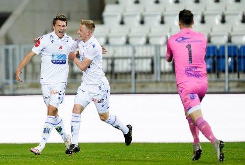 PÅ VEI TIL VARD? Kristoffer Gunnarshaug, som her jubler for FKH-scoring mot Odd sammen med Alexander Ammitzbøll (t.v.) kan bli utlånt til Vard i år.