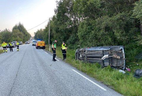 ULYKKE I SVEIO: To personer er kjørt til sykehus etter ulykken i Sveio fredag kveld.